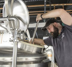 Alltech and Western Kentucky University are partnering to create a lab for students so they can gain hands-on experience and conduct research within the brewing industry.